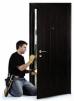 Монтаж межкомнатных и входных дверей маленькая