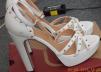 Новые белые туфли маленькая