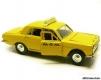 Водитель в такси маленькая
