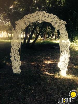Резная арка из дерева