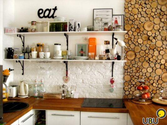 Оформление стены на кухне своими руками
