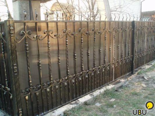 Красивый забор из металла своими руками 25