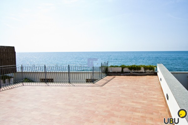 Apartments in Rome on the seafront remove inexpensively