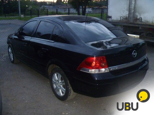 Opel Astra Седан, 2011